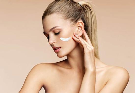 Prendre soin de la peau de son visage pendant la grossesse